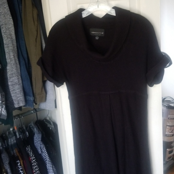 Pleated black sweater short sleeve dress